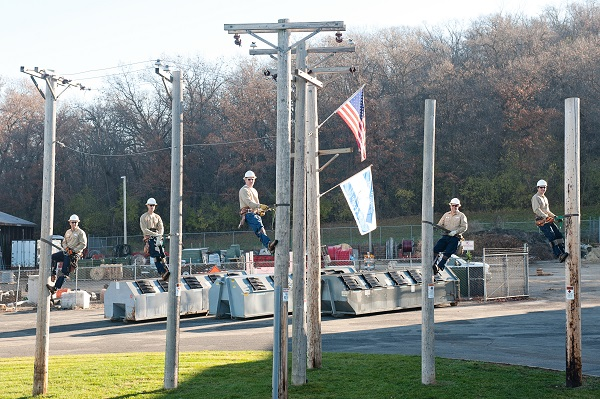 Lineman_Pole_Group_Resize-2.jpg